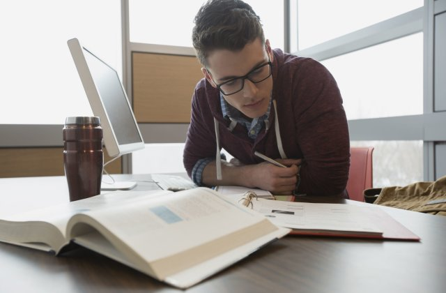 Writing a persuasive essay: Tips To Enable You Withstand the Task