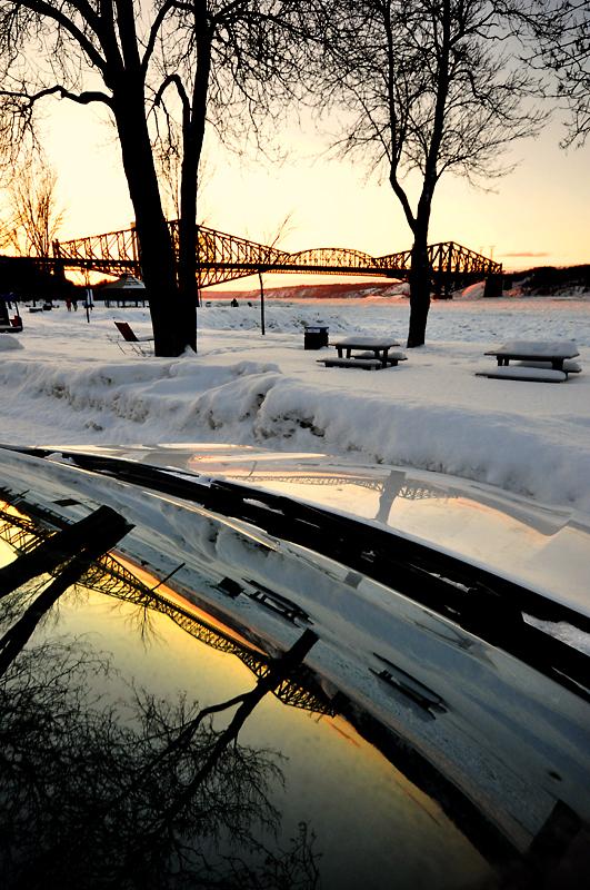 Le vieux pont de Québec au coucher du soleil