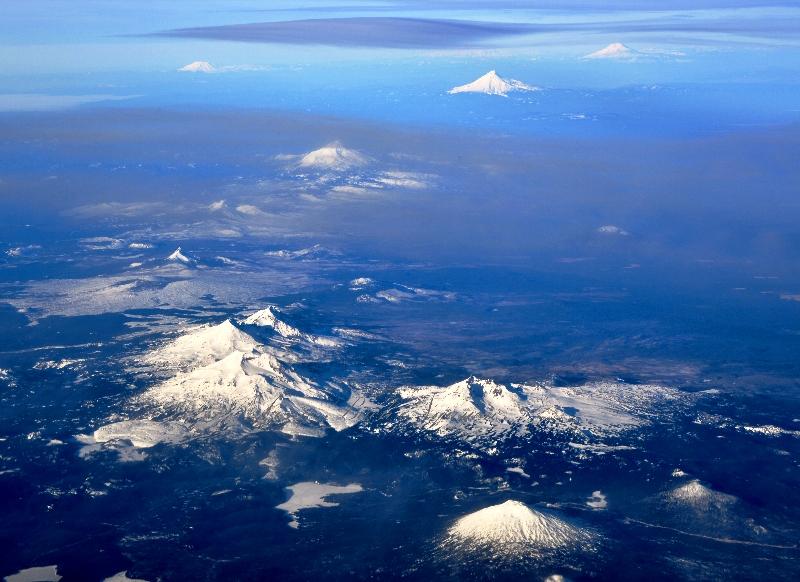 Mt Bachelor,  Tumalo Mt, Three Sisters, Broken Top Mtn, Bleknap Crater, Black Crater, Mt Washington, Three Fingered Jack,