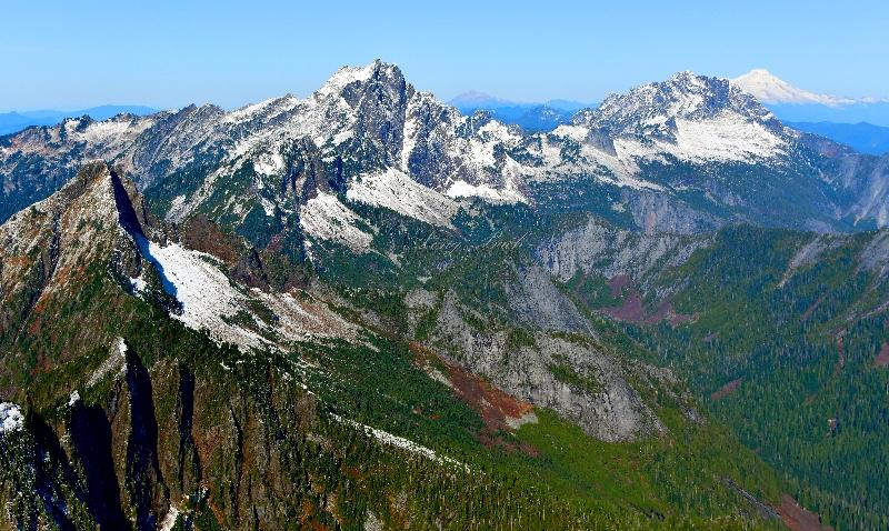 Liberty Mountain, Big Bear Mtn, Three Finger Mountain, Twin Sisters, Whitehorse Mountain, Mount Baker, Cascade Mountains