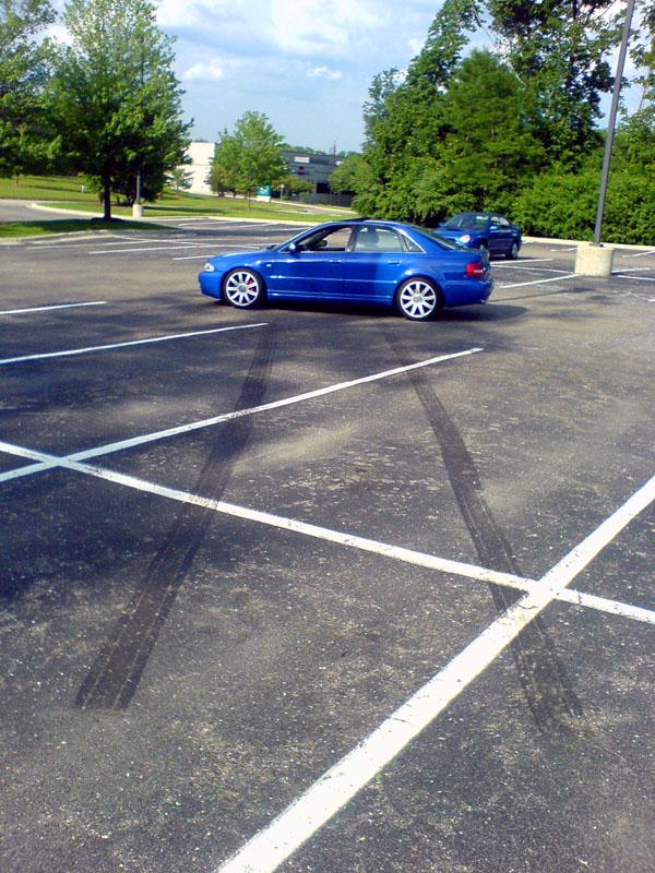 Audi S4 Burnout
