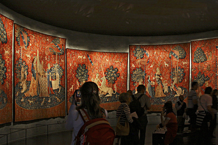 The Lady and the Unicorn Tapestry room - Musee Cluny, Paris.jpg