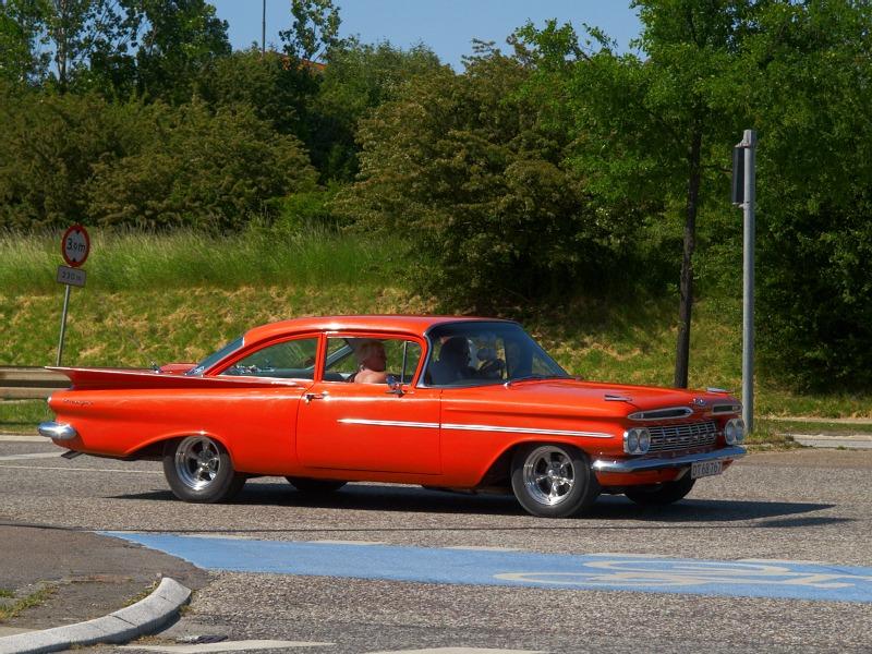 2008-06-01 Orange car
