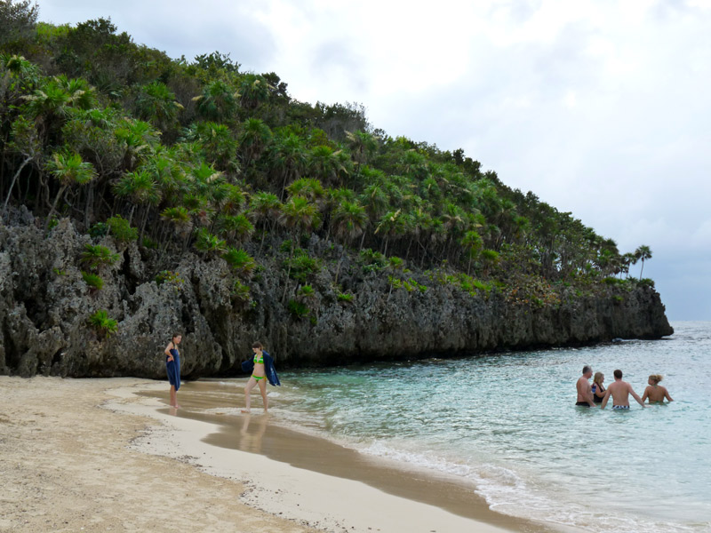 The good snorkeling area in front of Infinity Bay Resort