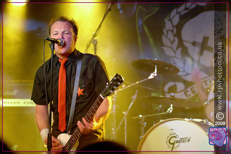 Green Day Tribute, Green Bay at Mr Kyps. Photographs by Robert Whetton Dorset Photographer
