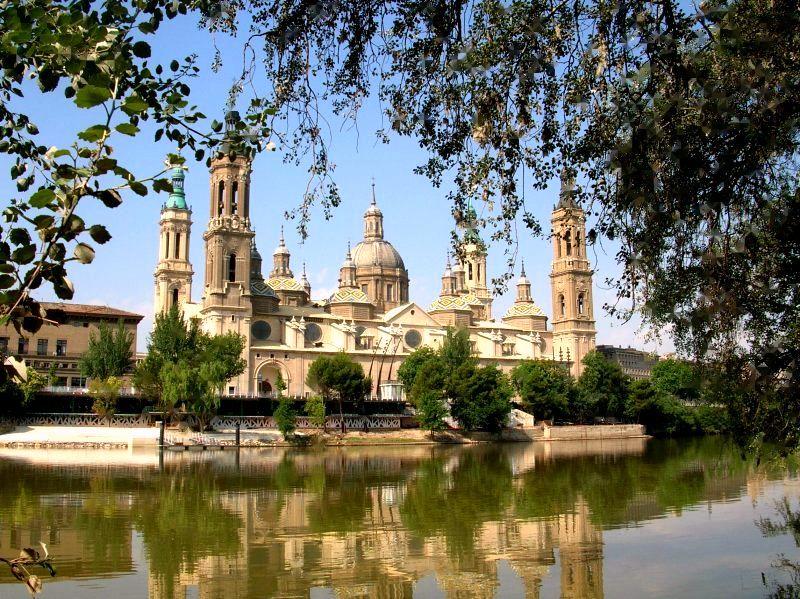 Rio Ebro y Basilica del Pilar