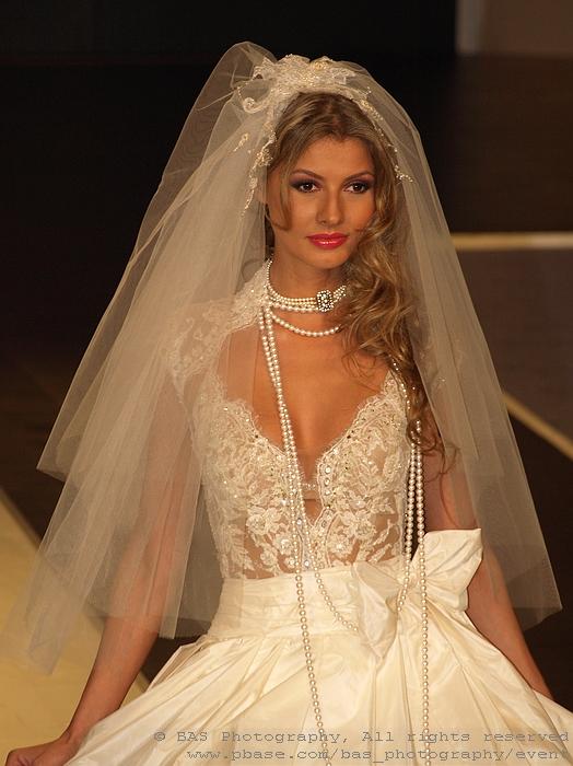 Bucharest Fashion Week 2008<br>Ersa Atelier<br>model Claudia Neghina