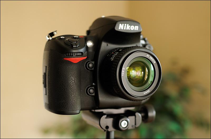 Nikon D700 w. AF 24mm/f2.8D