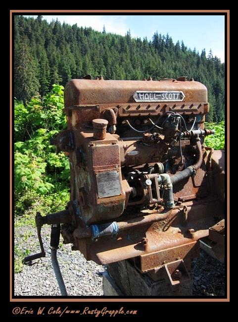 Hall-Scott Engine