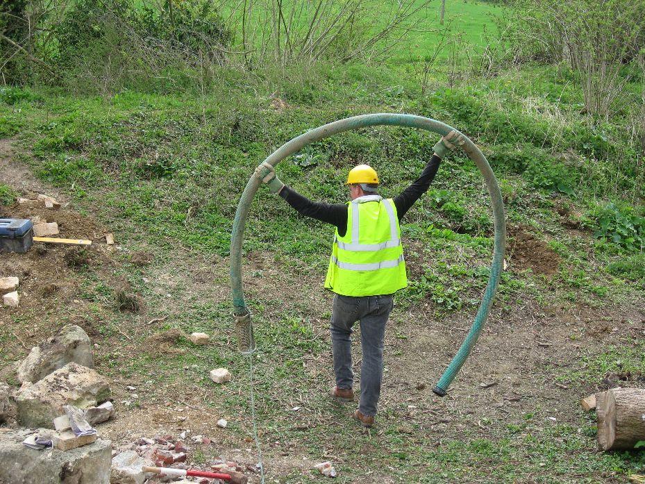 How to carry a pump hose!