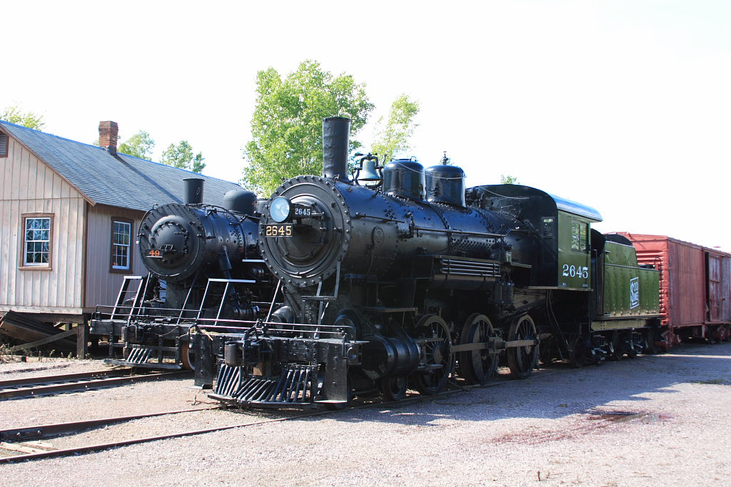 Soo Locomotive, water was to the top of the drivers