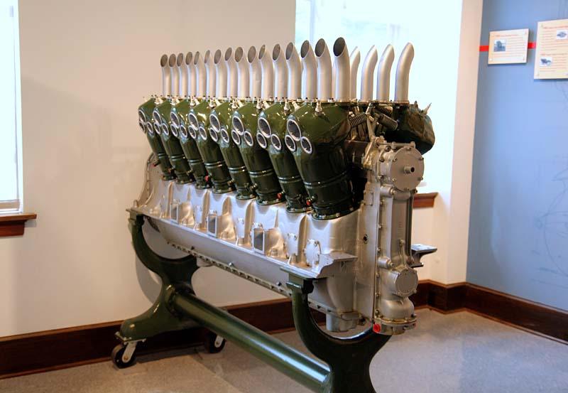 Duesenberg V16 Aircraft Engine