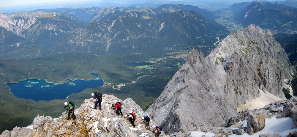 Zugspitze - A party nears the summit