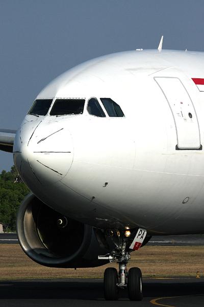 GARUDA INDONESIA AIRBUS A330 300 DPS RF IMG_1992.jpg