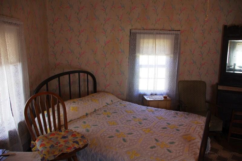 Bedroom Elvis Presley Birth House Jpg Photo Candebat Drew Photos At Pbase Com
