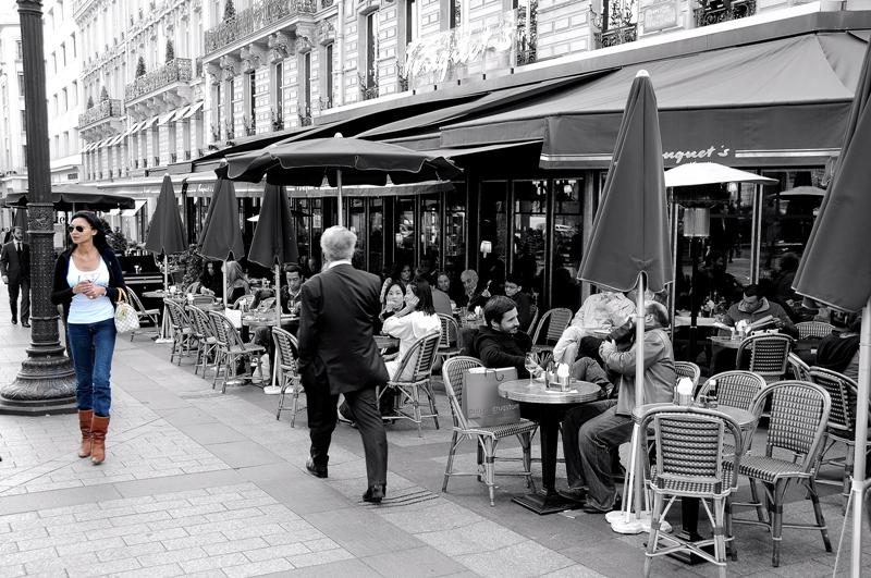 Sur les Champs-Elysees
