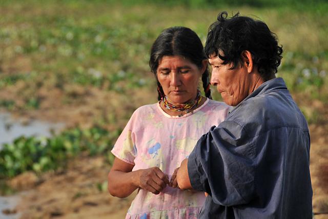 Chimani couple camped on the river near San Lorenzo de Moxos