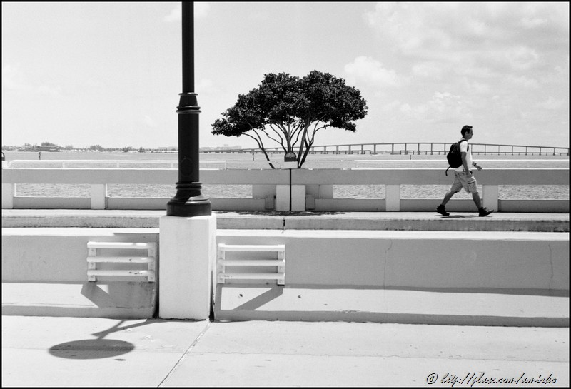 On the bridge to Brickell Key in Downtown Miami, Florida, USA, 2009. Street Photography of Miami, San Francisco and Key West by Emir Shabashvili, see http://street-foto.com, http://miamistreetphoto.com, http://miamistreetphotography.com or http://miamistreetphotographer.com