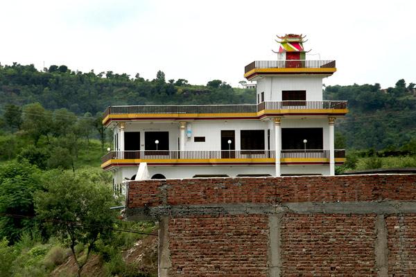 House near Damas