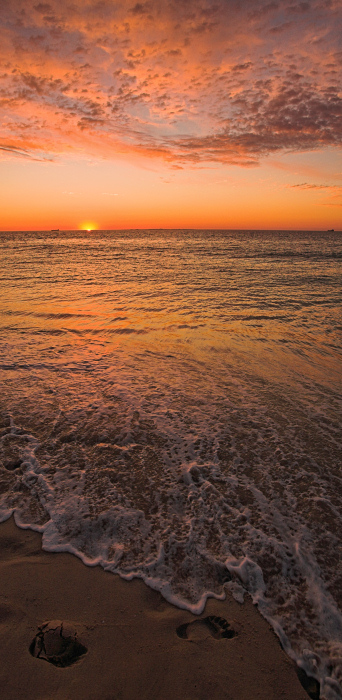 A slice of sunset at Cottesloe Beach
