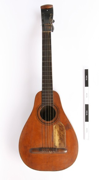 Jan Gordons unique guitar, made in Vera in 1854, Courtesy Horniman Museum