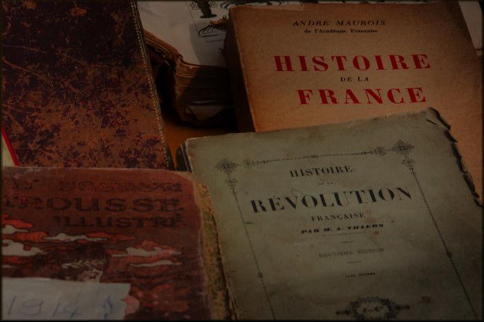 antic books