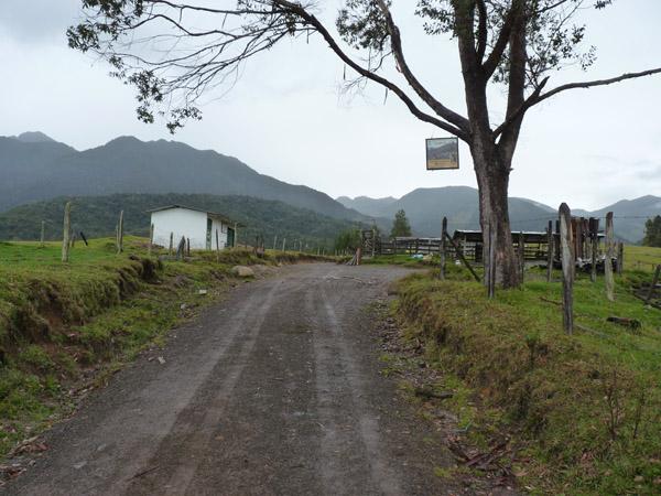 Chuscal, the start ofr track to Dusky Starfrontlet Reserve/ RNA Colibri del Sol