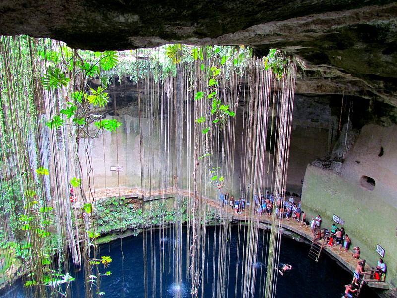 Ik Kil  baignade au cenote proche de Valladolid