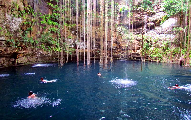 baignade en eau bleue