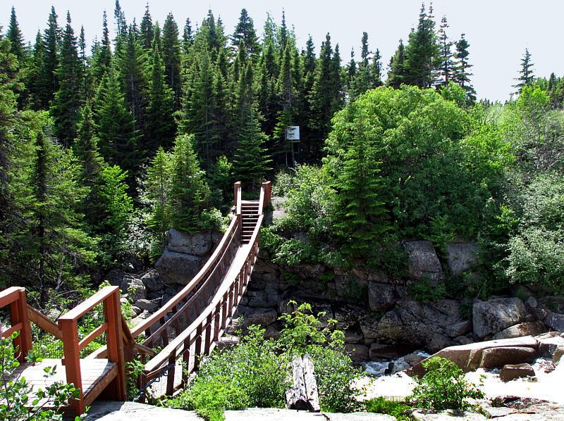 pont sur la rivière Dominique