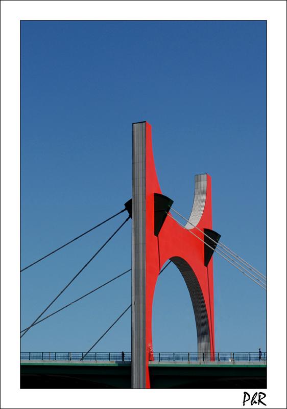 Arcos Rojos by Daniel Buren