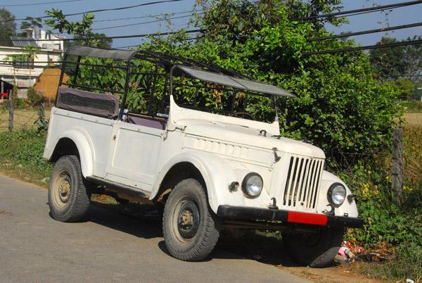 Tourist safari jeep, Sauraha