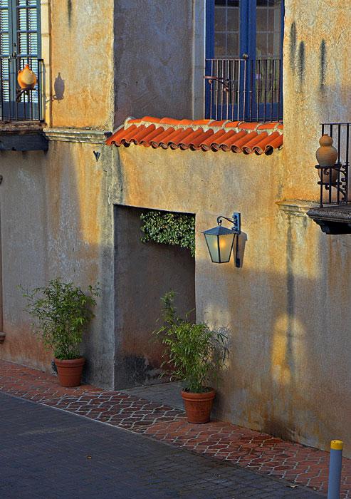 _MG_5603 Alleyway Entrance