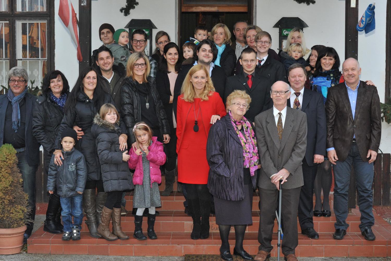 50. Geburtstag: Evi Weiß mit Verwandten und Freunden