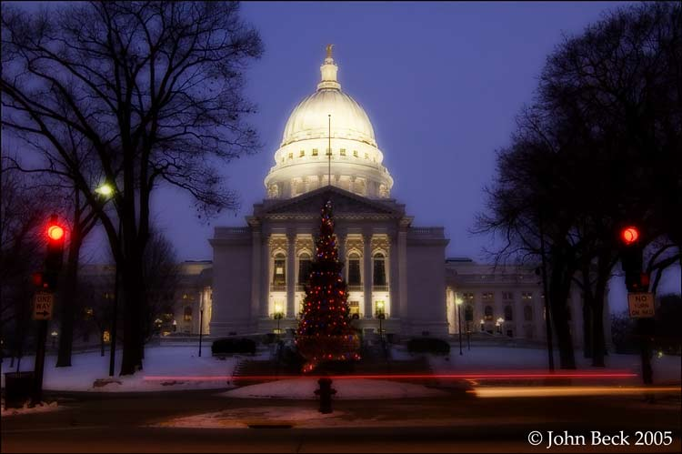 Christmas Tree at Capitols State St Entrance
