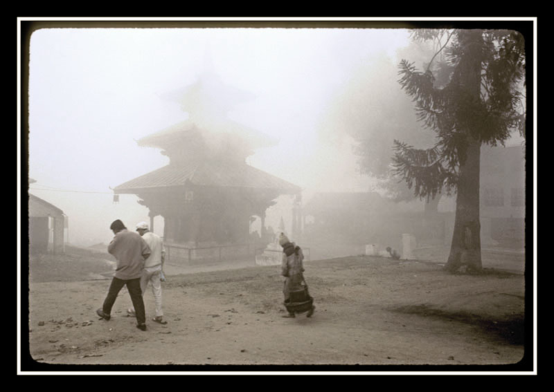 Brouillard à Katmandu