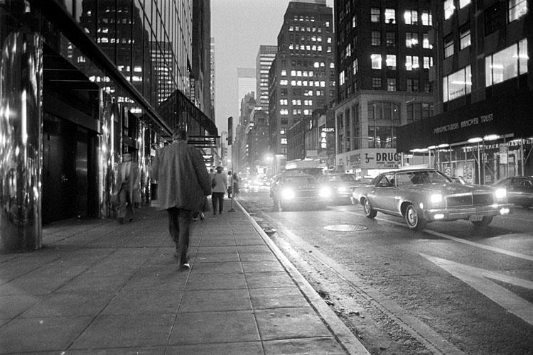 New York<br>1982/11/25<br>fa0465-14b.jpg