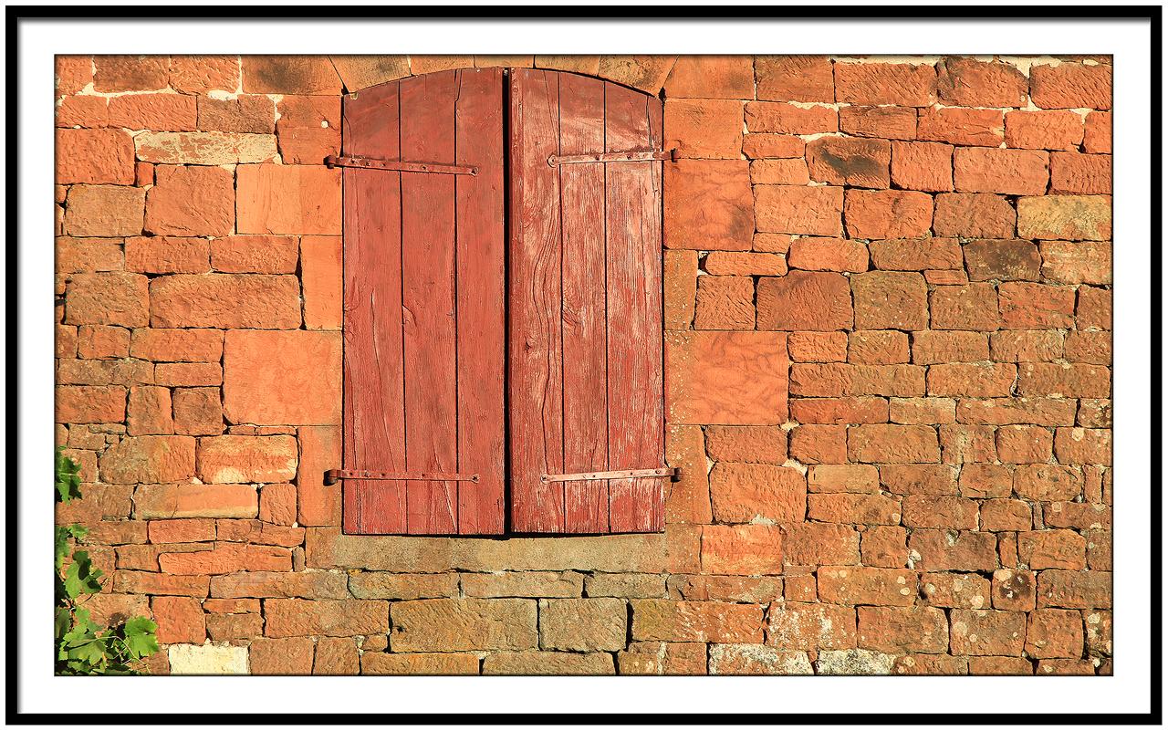 Window home in Collonges la Rouge