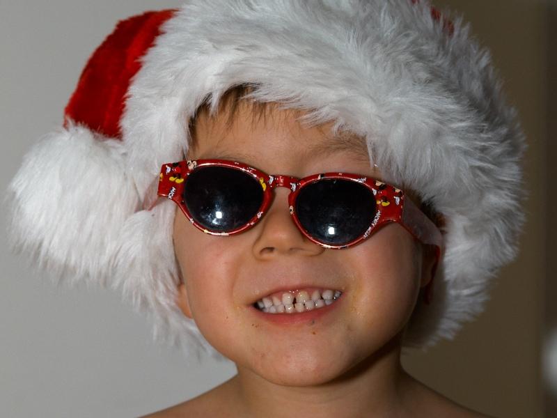 2007-12-27 Oliver as crazy Santa