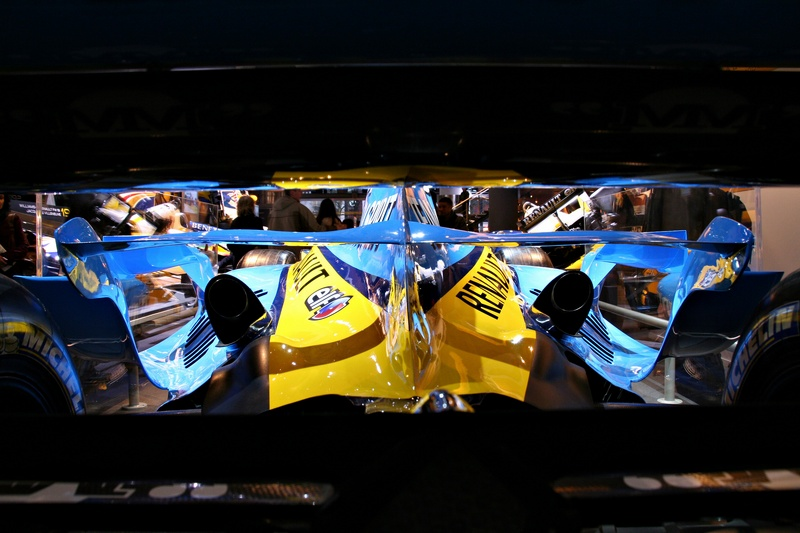 View through Alonsos rear wing!