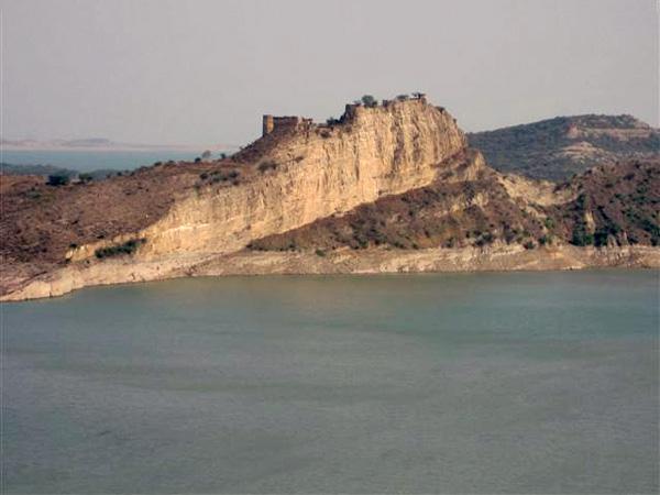 Fort near Bhathar