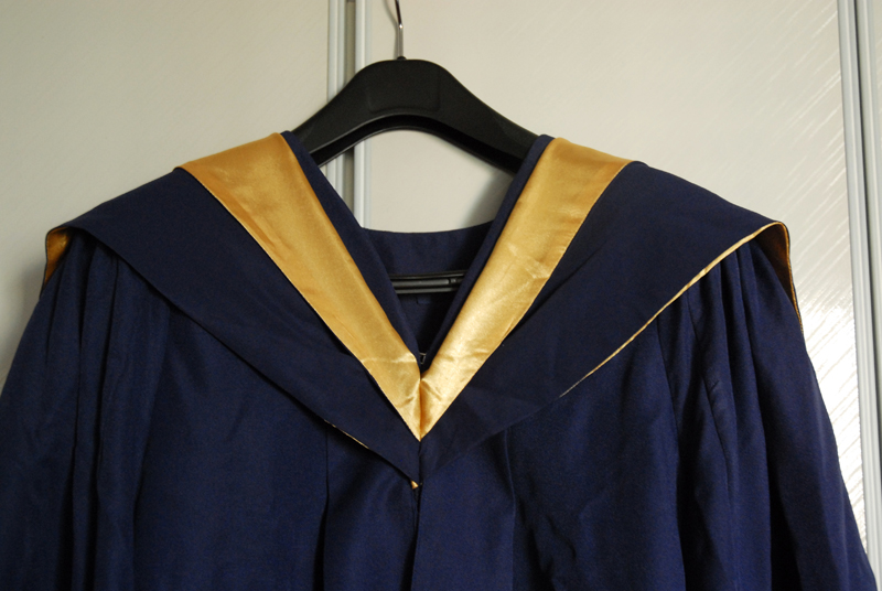 Peiyan.Photography I: Graduation Gown 101