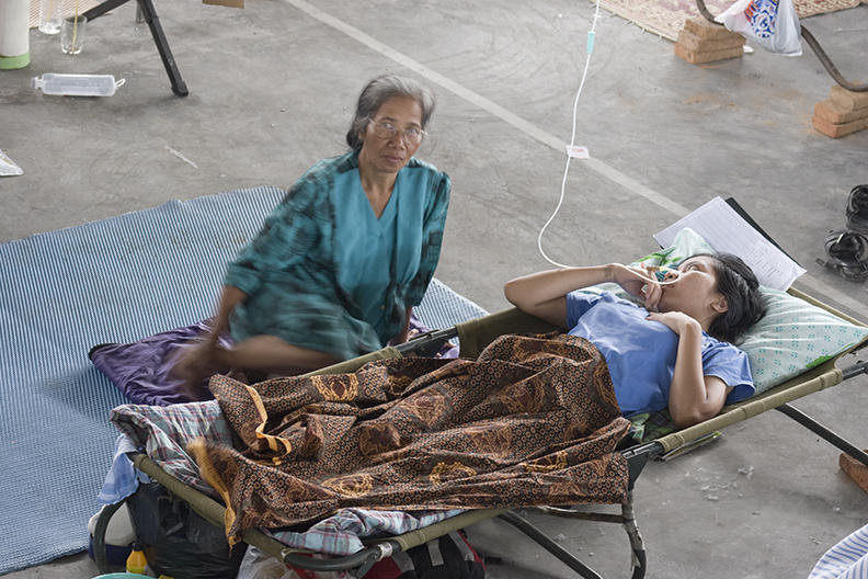 yogyakarta, earthquake medical clinic