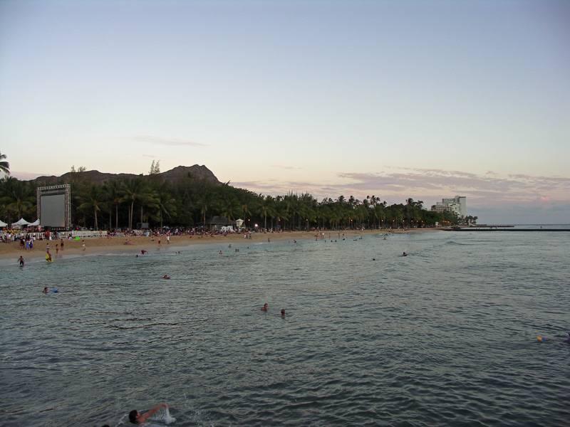 Diamond Head at dusk from Kapahulu groin