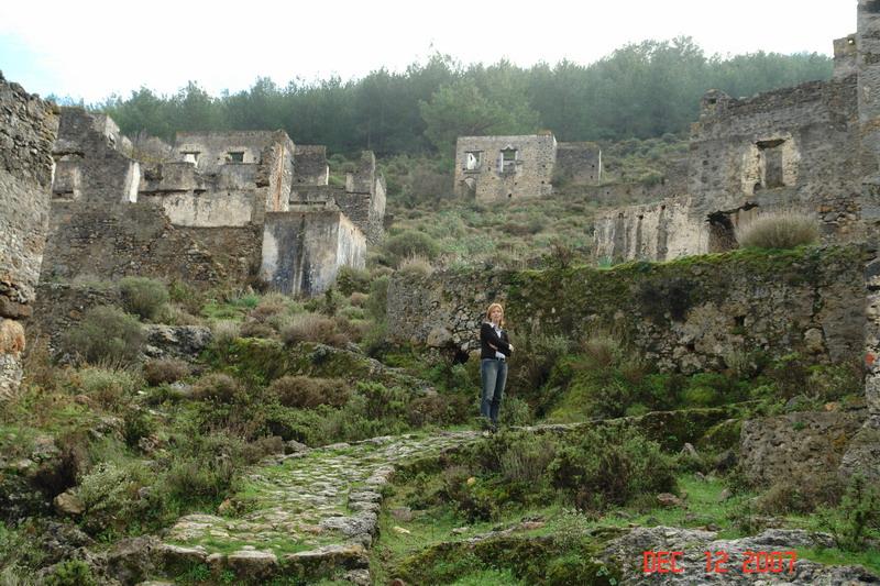 abandoned greek village_07.JPG