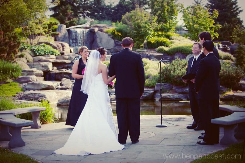 Frederick Meijer Garden Wedding Photos Of The Bride And Groom