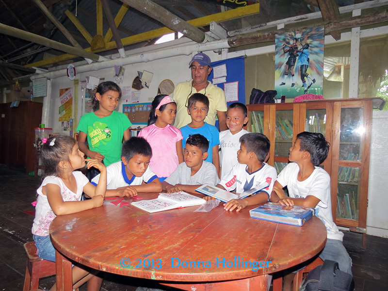 Our Explorama Guide Ricardo and the School Kids