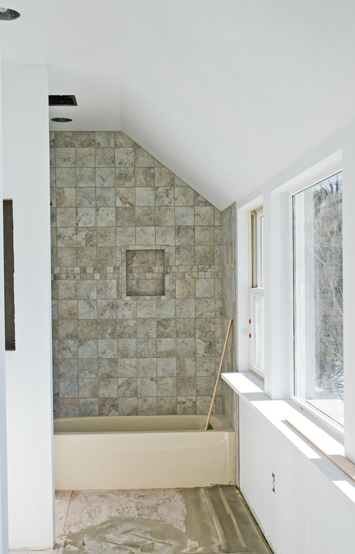 Bathtub tile surround
