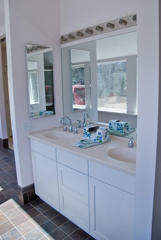 Double sink in Bath Room