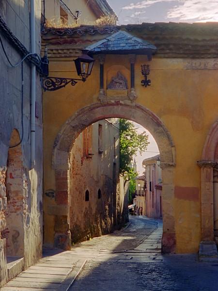 Segovia archway